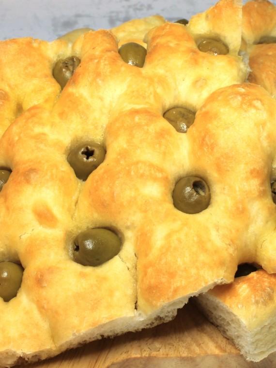 Focaccia farcita olive Maccalli
